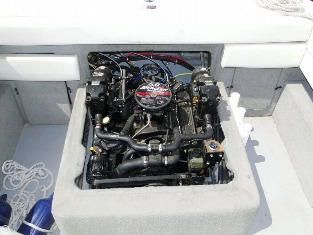 2006 Bayliner 215 Classic Runabout - Photo #19