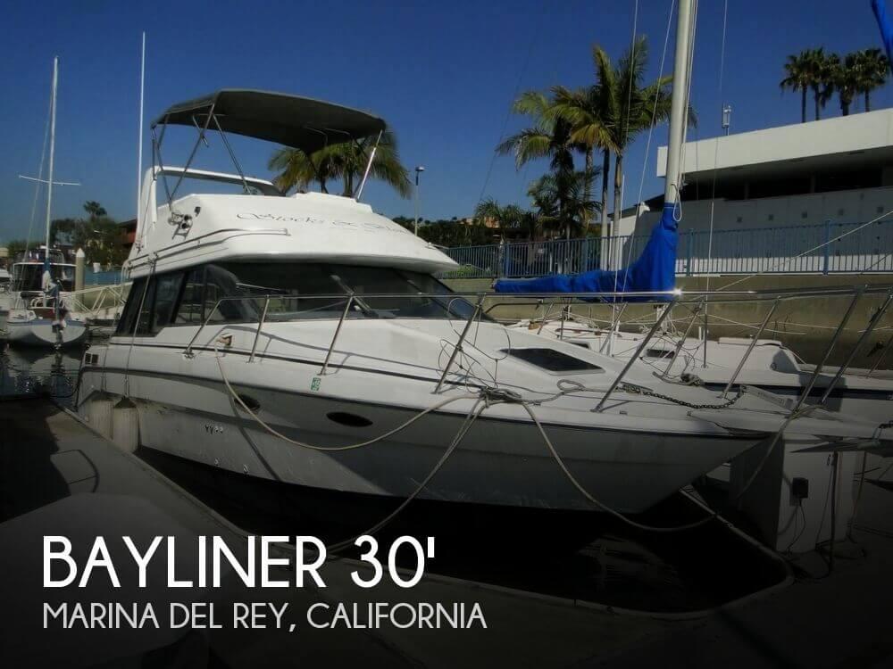 1992 Bayliner 3058 Command Bridge - Photo #1
