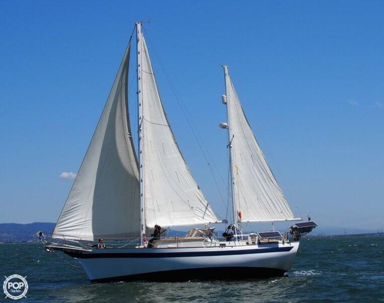 1977 Islander Sailboats 41 - Photo #2