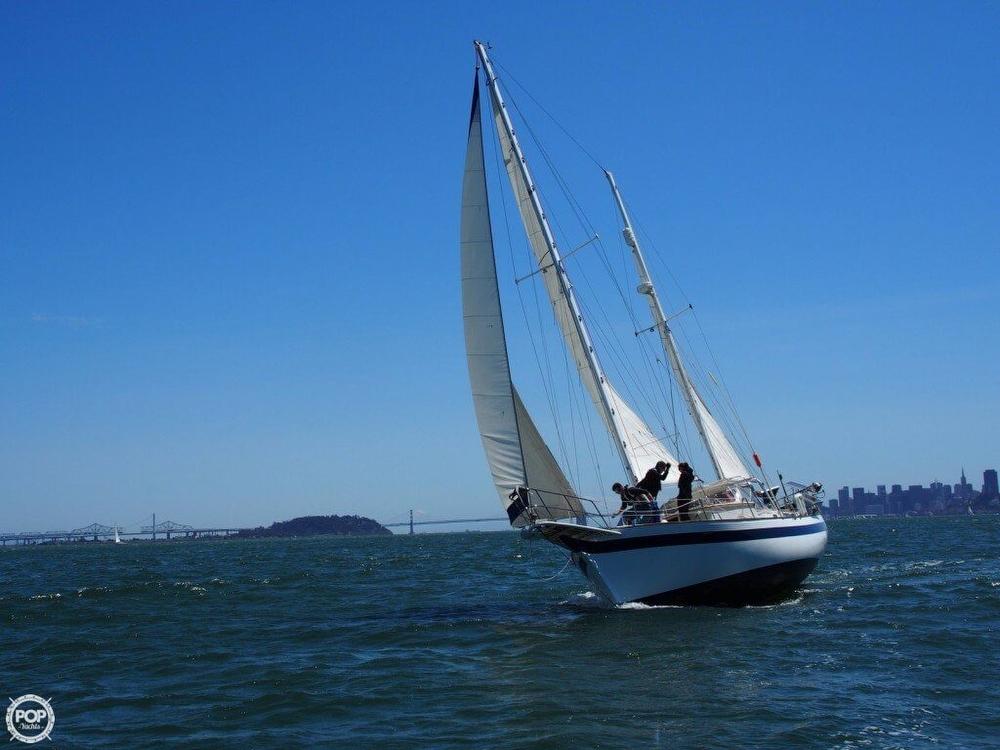 1977 Islander Sailboats 41 - Photo #6