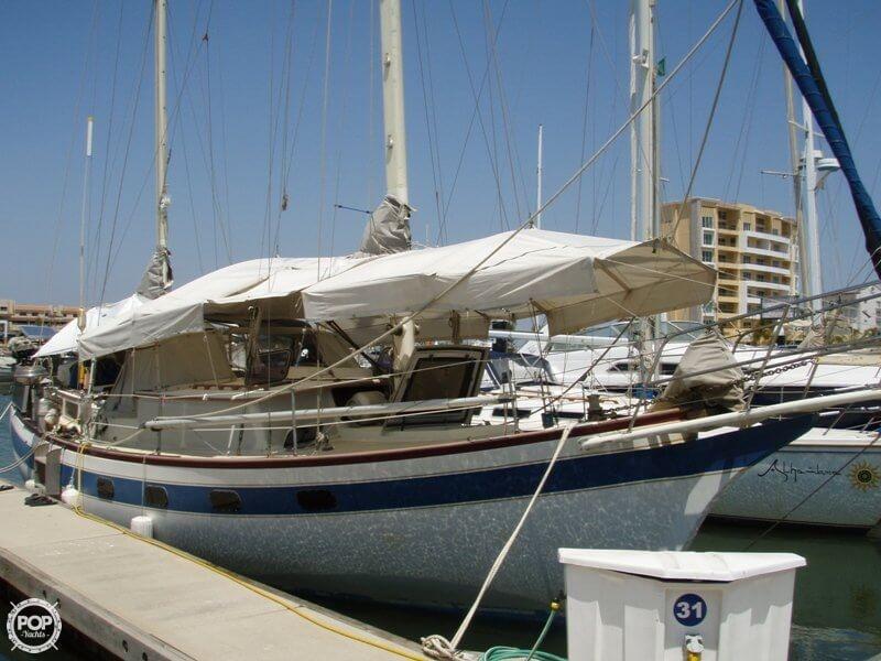 1977 Islander Sailboats 41 - Photo #24