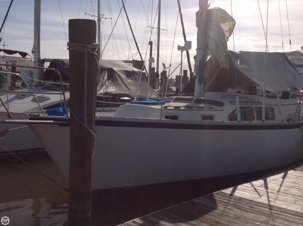 1983 Irwin Yachts 38 - Photo #5
