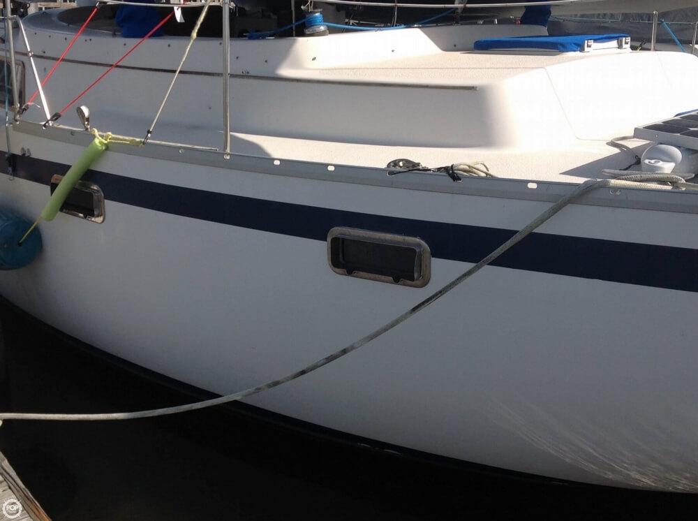 1983 Irwin Yachts 38 - Photo #7