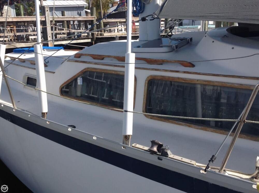 1983 Irwin Yachts 38 - Photo #9