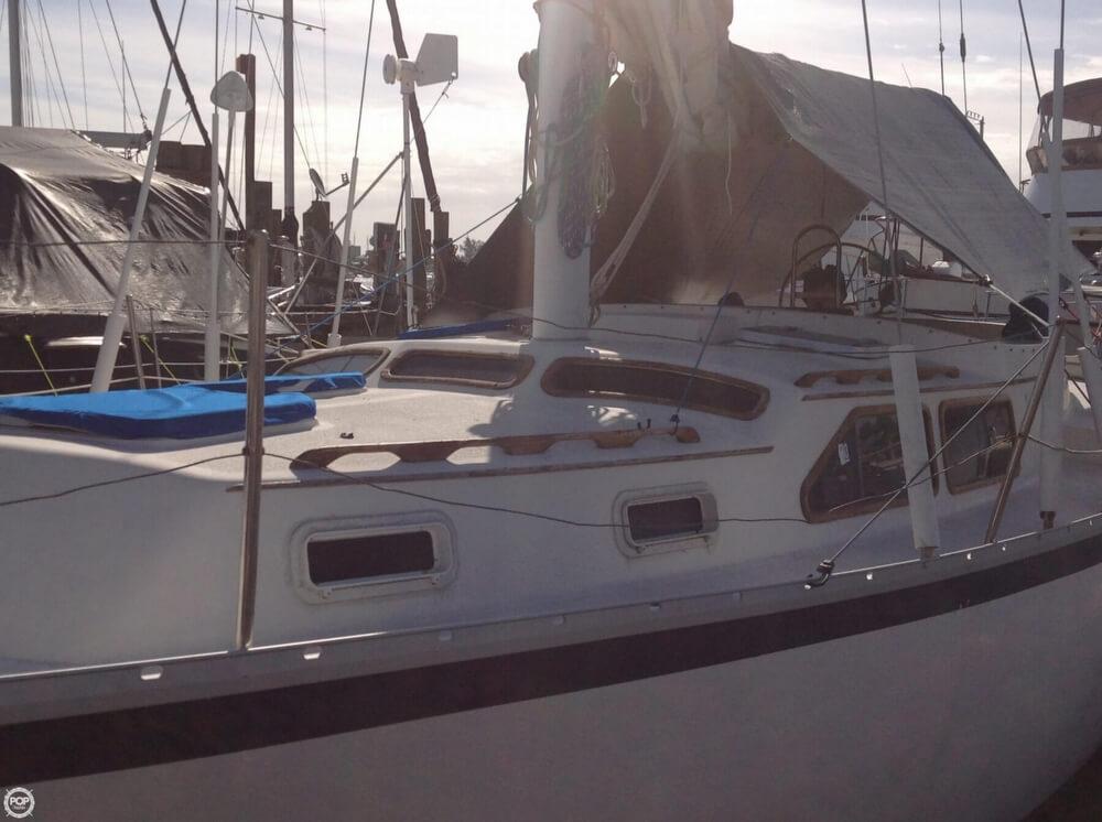 1983 Irwin Yachts 38 - Photo #13