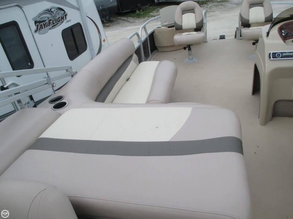 2014 Sun Tracker Fishin' Barge 22 DLX - Photo #9