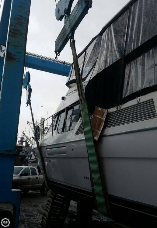 1995 Bayliner boat for sale, model of the boat is 4587 Cockpit Motor Yacht & Image # 7 of 38