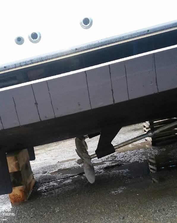 1995 Bayliner boat for sale, model of the boat is 4587 Cockpit Motor Yacht & Image # 8 of 38