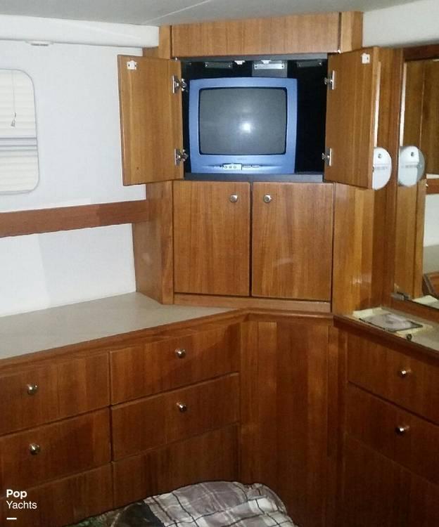 1995 Bayliner boat for sale, model of the boat is 4587 Cockpit Motor Yacht & Image # 24 of 38