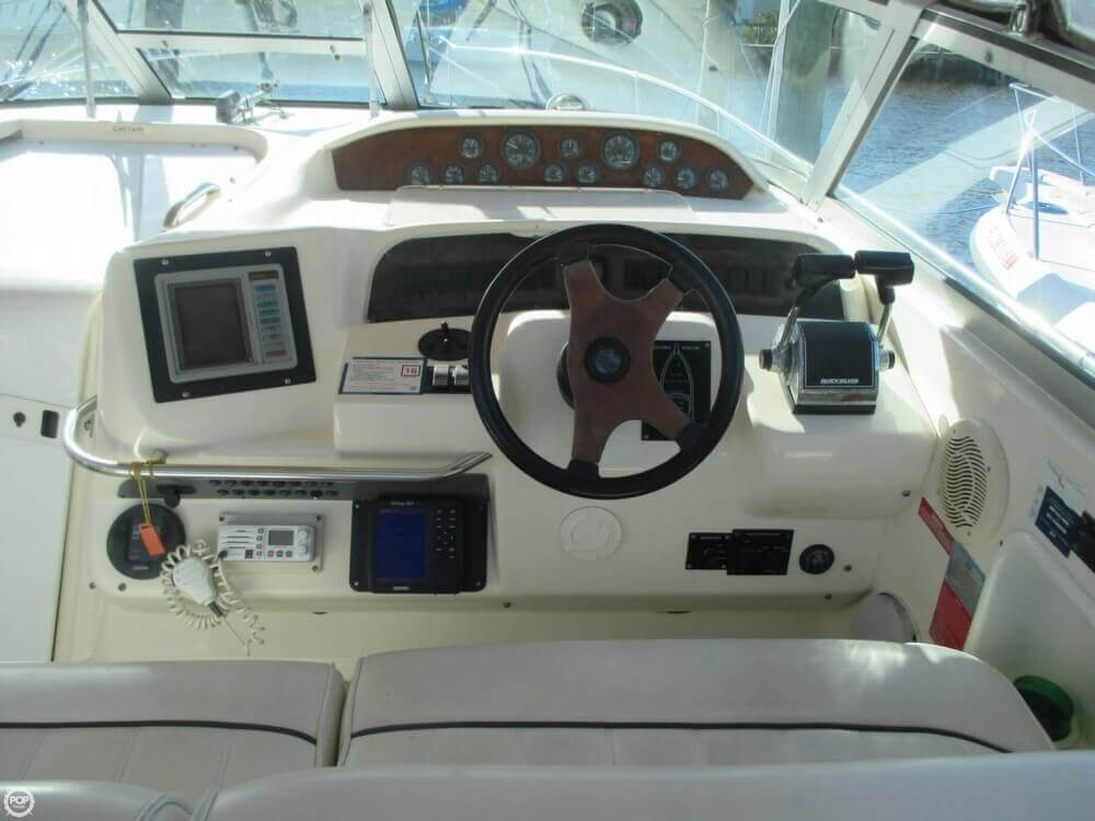 1995 Sea Ray 330 Sundancer - Photo #7