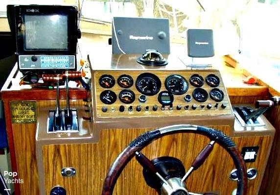 1977 Stamas 32 Sport Sedan - Photo #5