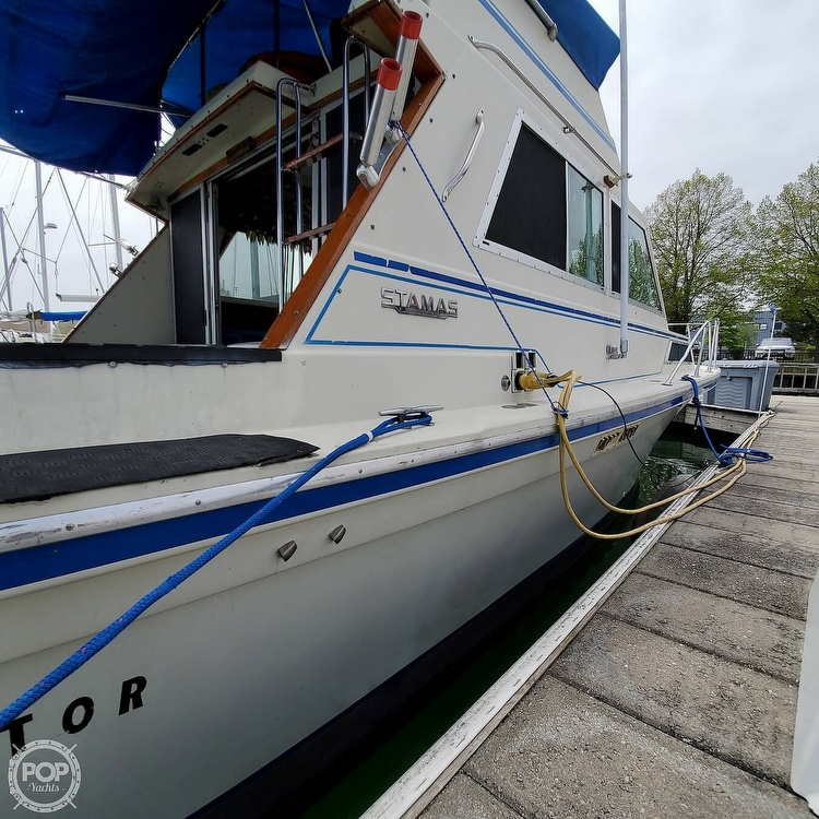 1977 Stamas boat for sale, model of the boat is 32 Sport Sedan & Image # 25 of 40