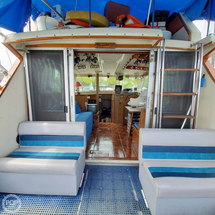 1977 Stamas boat for sale, model of the boat is 32 Sport Sedan & Image # 28 of 40