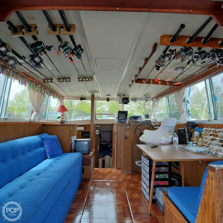 1977 Stamas boat for sale, model of the boat is 32 Sport Sedan & Image # 30 of 40
