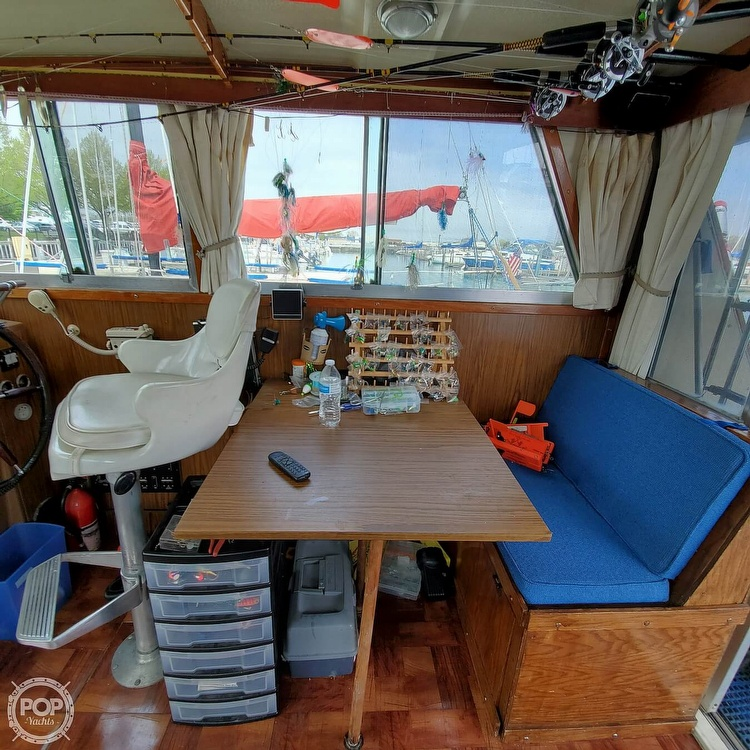 1977 Stamas boat for sale, model of the boat is 32 Sport Sedan & Image # 34 of 40