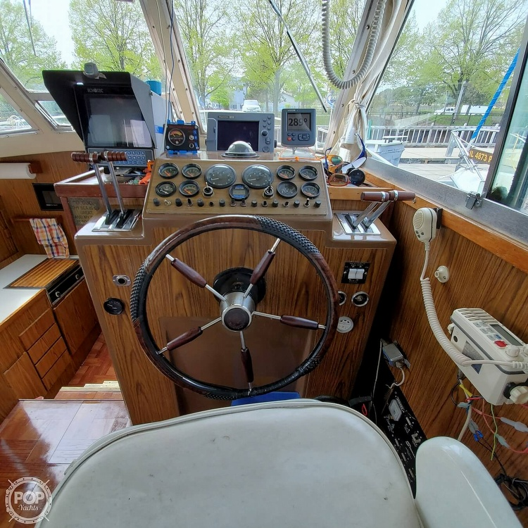 1977 Stamas boat for sale, model of the boat is 32 Sport Sedan & Image # 36 of 40