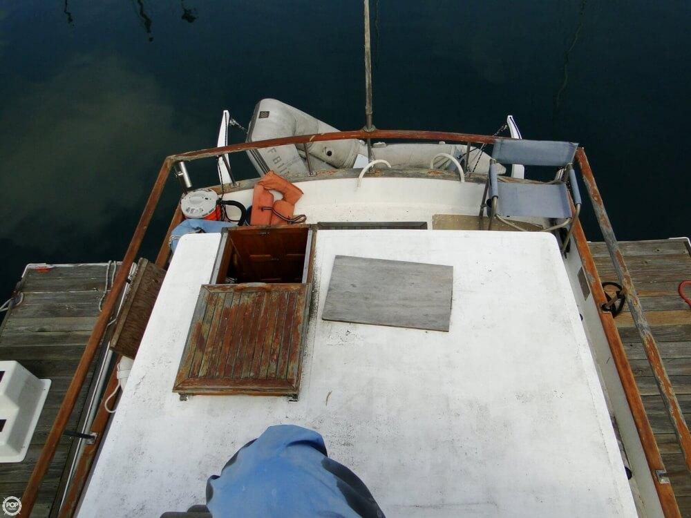 1977 C & L Trawler 34 - Photo #8