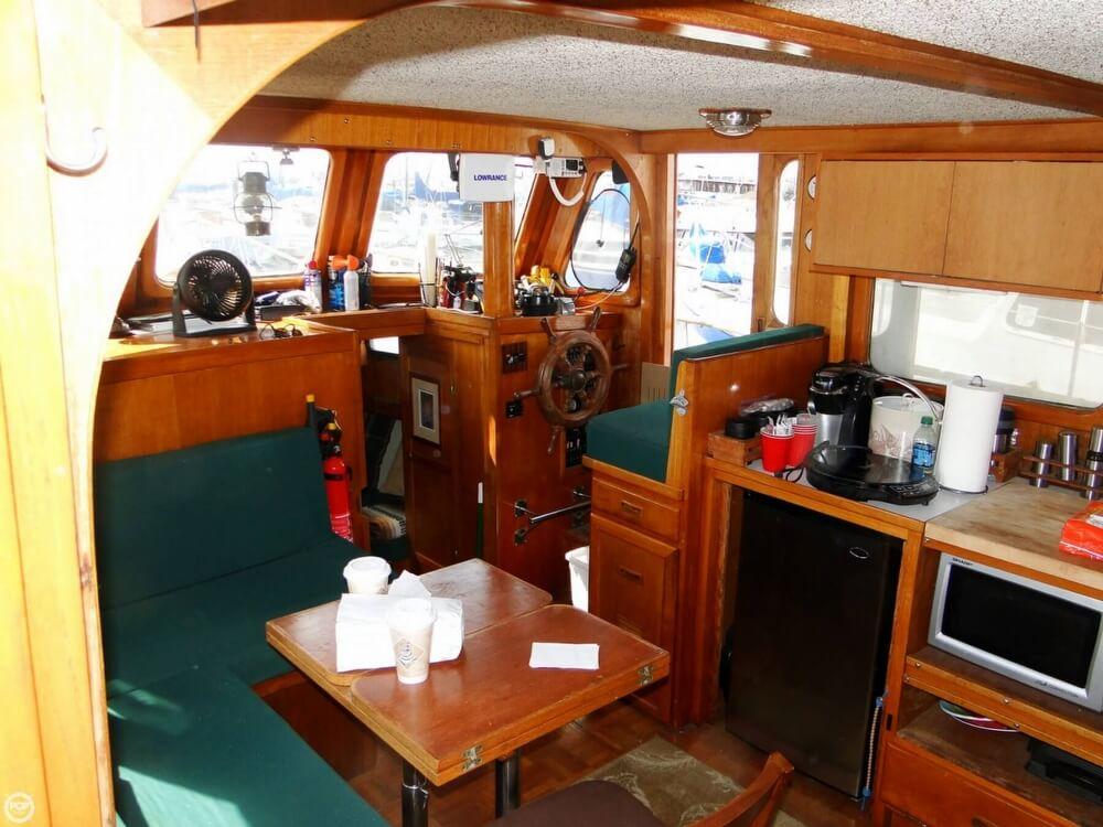 1977 C & L Trawler 34 - Photo #11