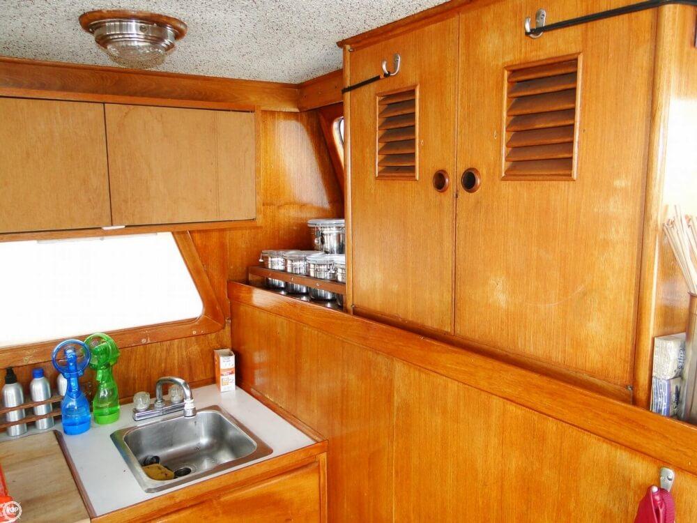 1977 C & L Trawler 34 - Photo #13