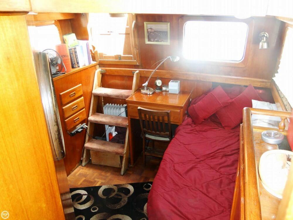 1977 C & L Trawler 34 - Photo #18