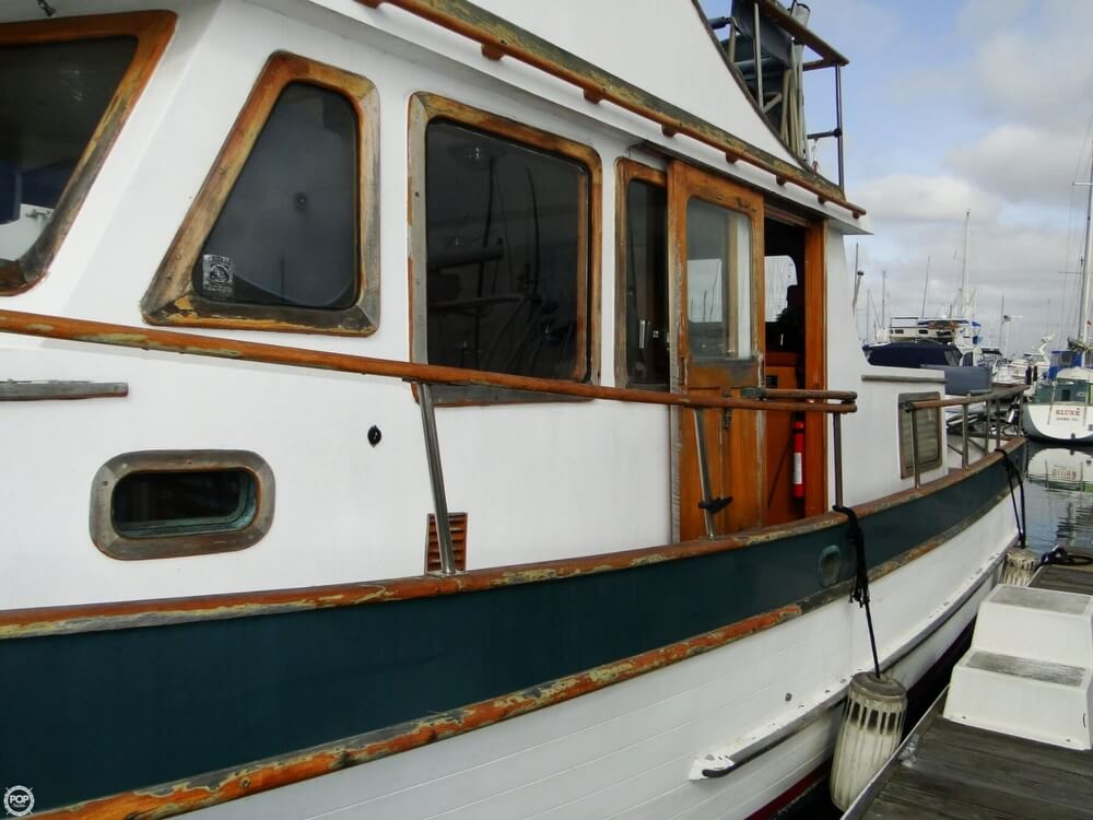 1977 C & L Trawler 34 - Photo #30