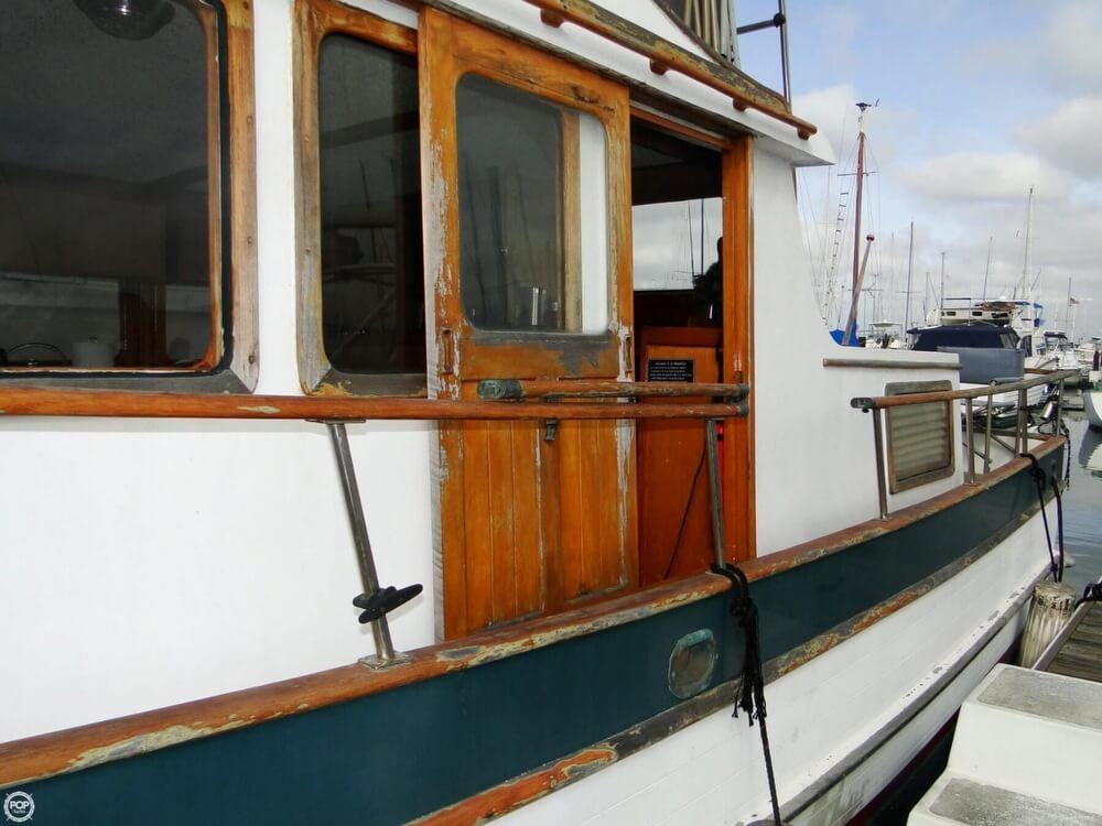 1977 C & L Trawler 34 - Photo #31