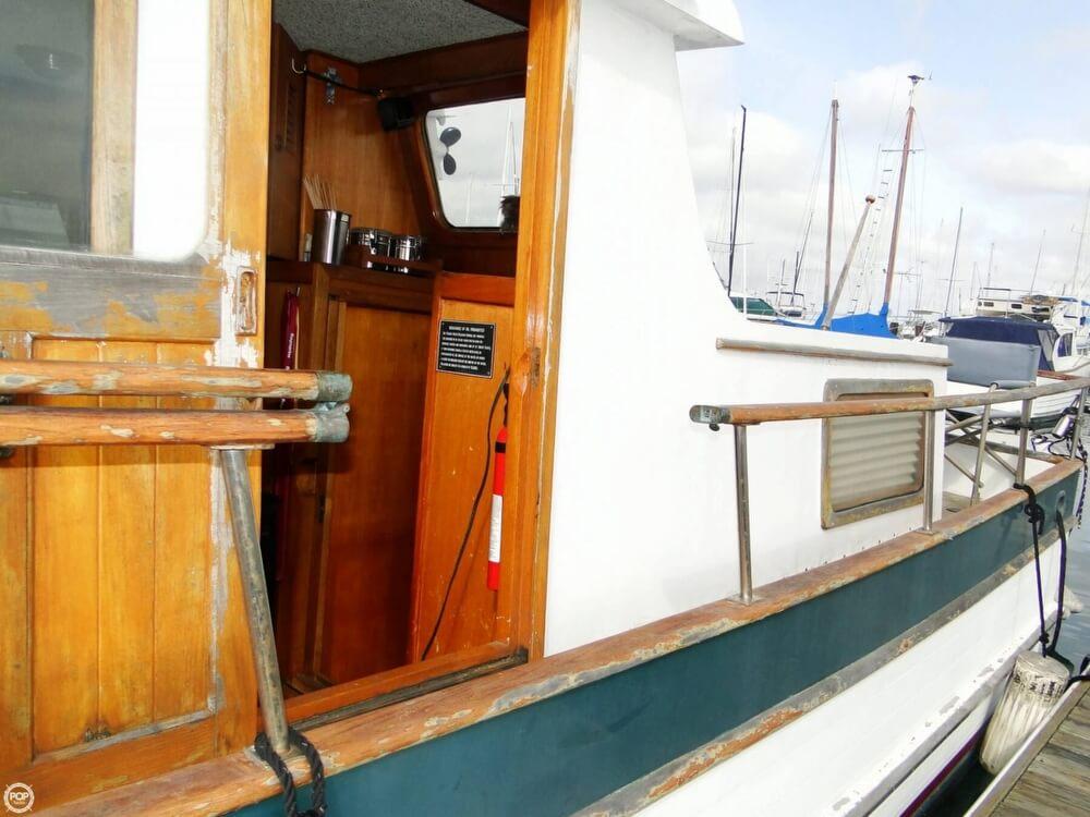 1977 C & L Trawler 34 - Photo #32