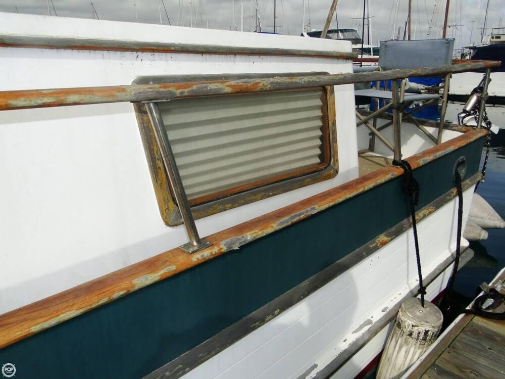 1977 C & L Trawler 34 - Photo #33