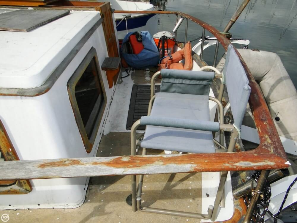 1977 C & L Trawler 34 - Photo #34