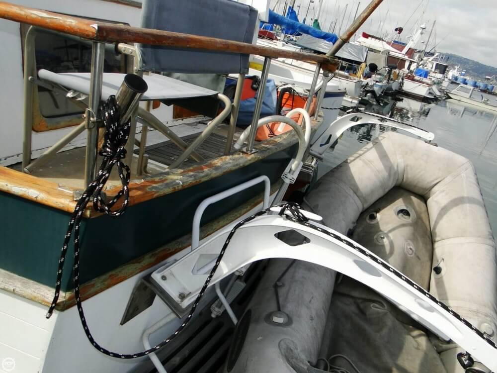 1977 C & L Trawler 34 - Photo #35
