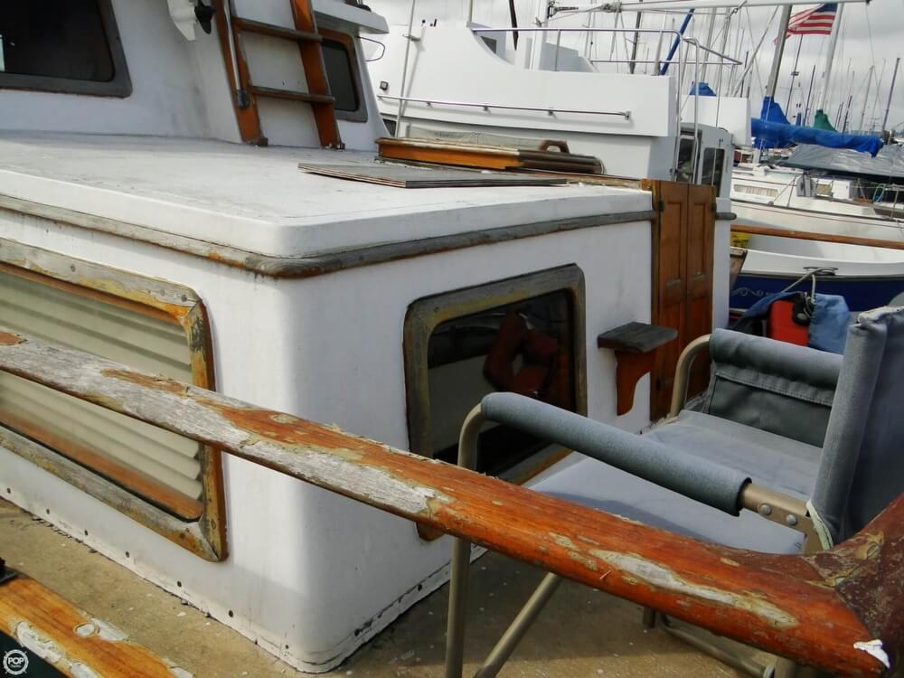 1977 C & L Trawler 34 - Photo #36