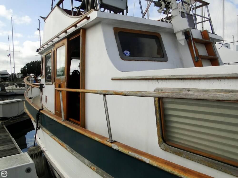 1977 C & L Trawler 34 - Photo #39