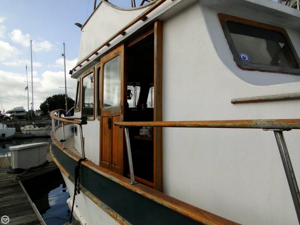 1977 C & L Trawler 34 - Photo #40
