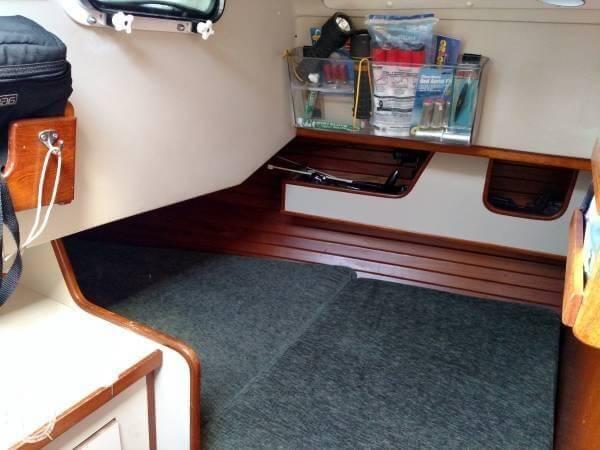 1981 C & C Yachts 37 - Photo #6